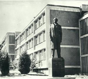 6 skulptura